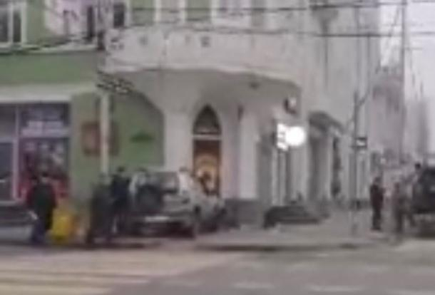 Внедорожник протаранил усадьбу купцов Богарсуковых в историческом центре Краснодара