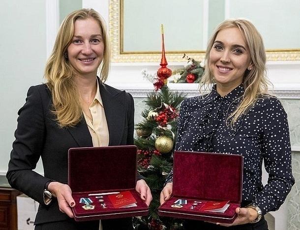 Сочинских олимпийских чемпионок по теннису Веснину и Макарову наградили орденами Дружбы