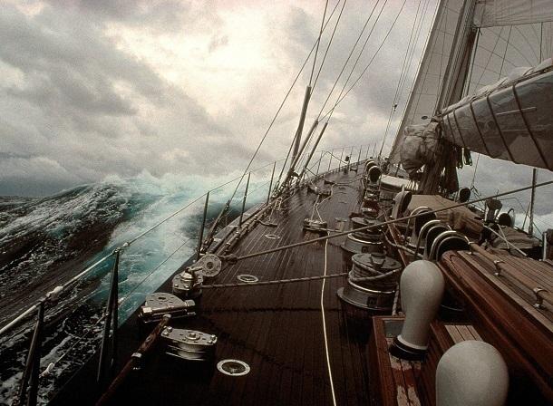 Суд отказался возвращать юных яхтсменов в безопасную акваторию