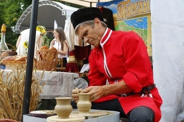 Мастера и народные умельцы на Кубани смогут получить до 500 тысяч рублей господдержки
