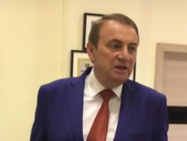 «Разборки» мэра Сочи с риелторами попали на видео