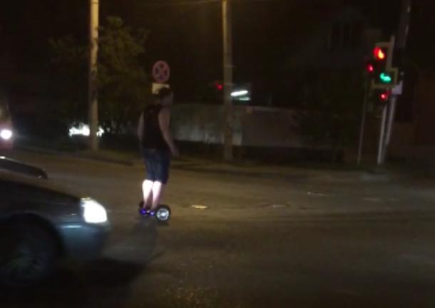 Пьяница на гироскутере устроил краснодарским водителям «Форт Боярд»