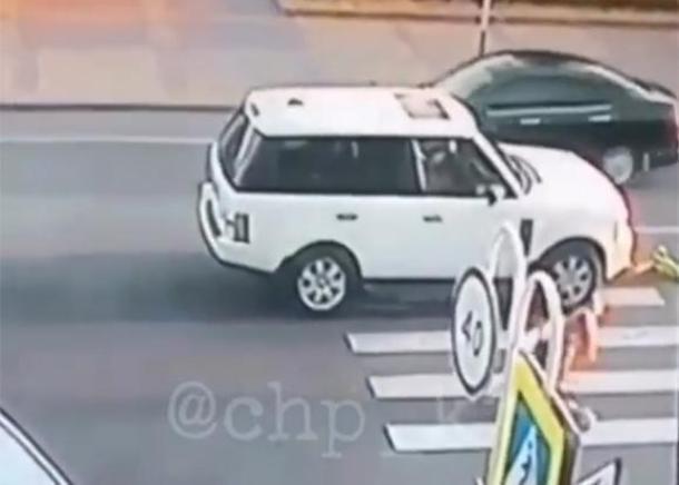 В Адыгее на пешеходном переходе ребенок попал под колеса авто