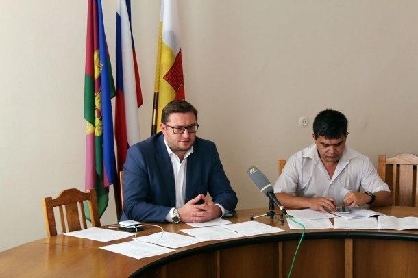 Мэрия Краснодара пообещала дольщикам ЖК «Форт Карасун» подключить дома к свету и теплу