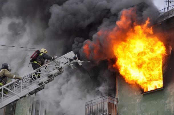 В Краснодаре произошел пожар в многоэтажном жилом доме