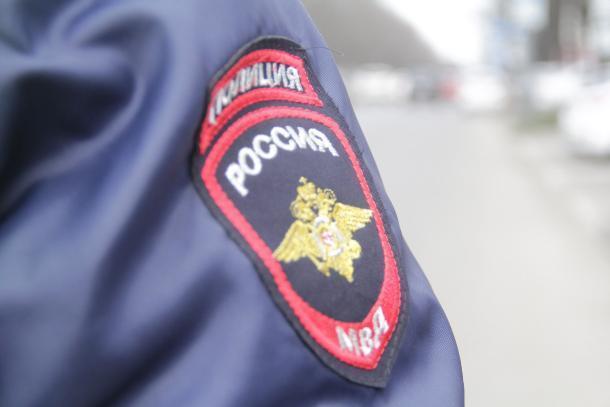 Сочинские полицейские сняли девушку с моста