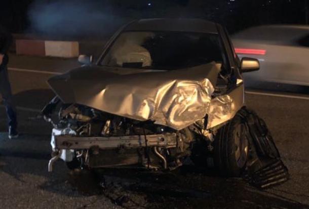 «Подлетел на кочке»: в Сочи водителя «Лансера» спасли только подушки безопасности