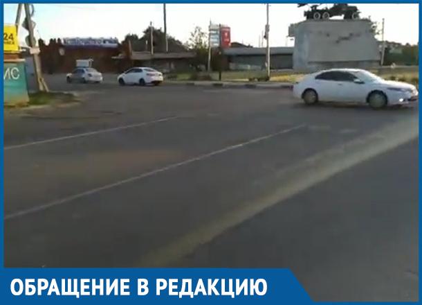 Становиться злостными нарушителями подталкивает ситуация на перекрестке в Краснодаре