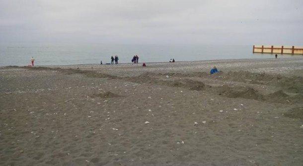 Снесенный забор насочинском береге «Ривьера» возвратится на прошлое место