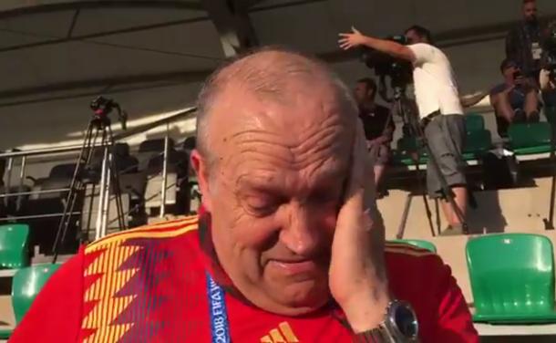 Натерпевшийся в Краснодаре испанский болельщик Маноло расплакался: его не пустили с барабаном на стадион