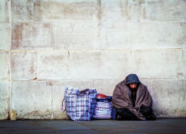 Бездомных жителей Краснодара накормят и оденут к зиме