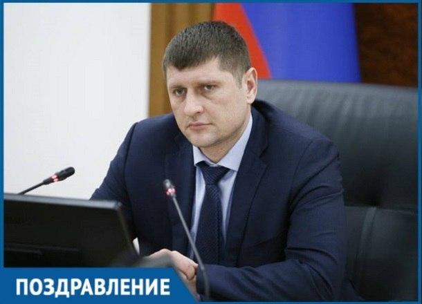 «Гроза застройщиков и надежда дольщиков» вице-губернатор Кубани Андрей Алексеенко отмечает юбилей