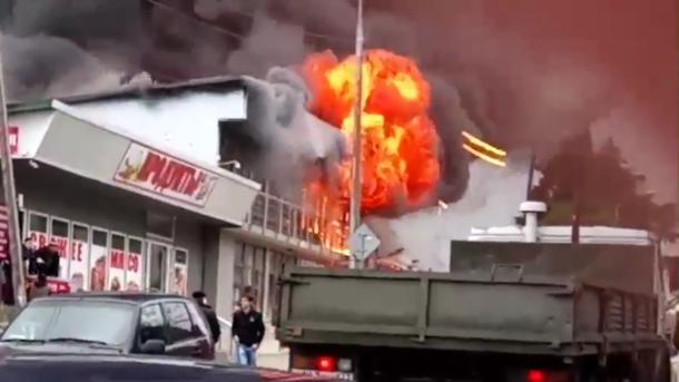 В сгоревшем сочинском магазине погибли две женщины