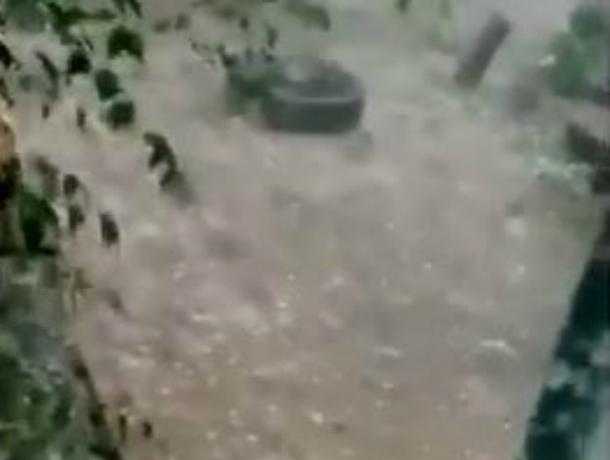 Из-за сильного дождя затопило восемь домов вТимашевском районе