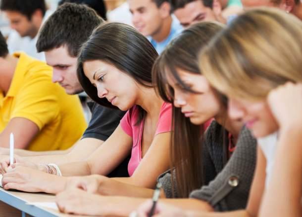 Студентка обвинила преподавателей краснодарского колледжа в высокомерии