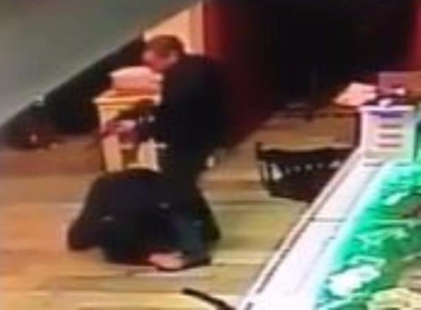 «Выстрел в голову»: появилась уникальная видеозапись перестрелки в Армавире, в которой убили офицера Росгвардии