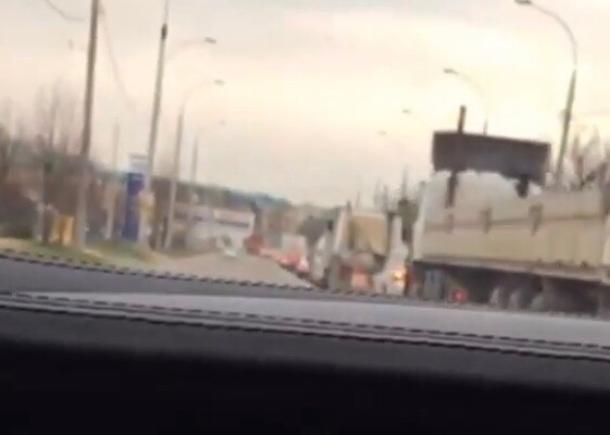 Очередной автохам снял свою езду по встречке в Краснодаре на видео