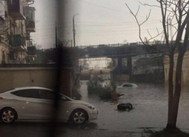 Легковушка утонула влуже вНовороссийске