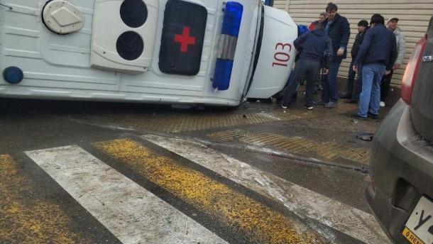 Два ребенка и пятеро взрослых пострадали в ДТП со «скорой» в Краснодаре