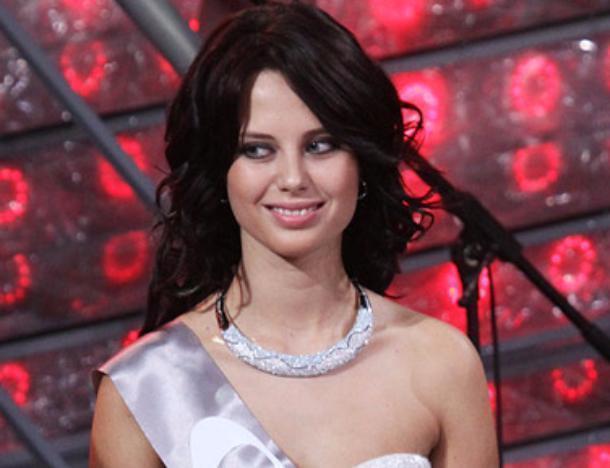 С надписью «Дура» на лбу в Москве избили модель из Сочи