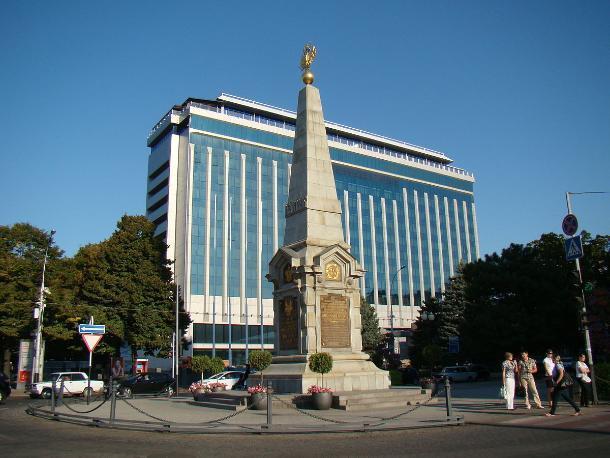 История Краснодара: символ «устойчивой связи» кубанских казаков создавался дважды