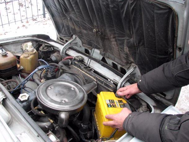 В Усть-Лабинском районе члены «криминального квартета» похищали аккумуляторы из машин