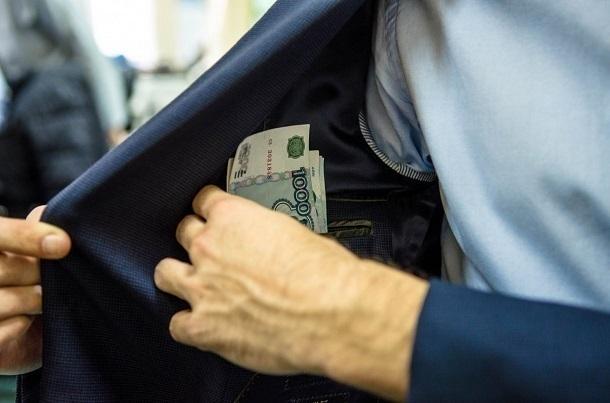 На Кубани бизнес-леди получила фальшивую повестку стоимостью в 150 тысяч рублей