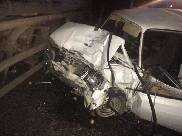 ВУсть-Лабинском районе шофёр легковушки умер вДТП с фургоном