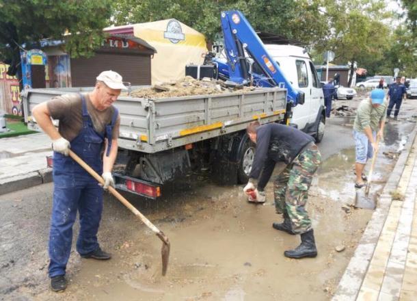 Свет восстановили и воду откачали: в Анапе завершаются восстановительные работы после разгула стихии