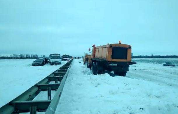 ВКраснодарском крае из-за непогоды перекрыли ряд дорог
