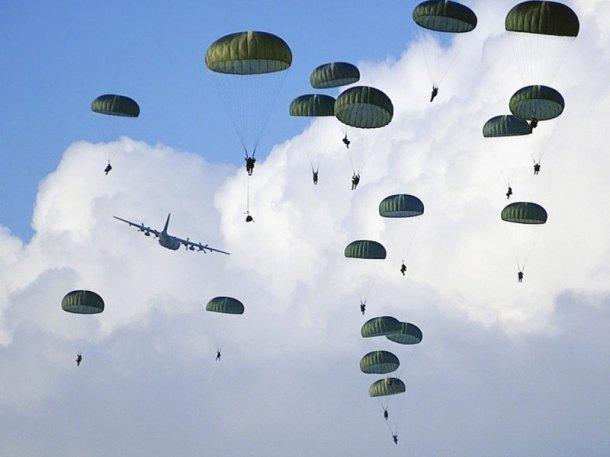 На Кубани не могут найти трех десантников, исчезнувших после прыжка с парашютом