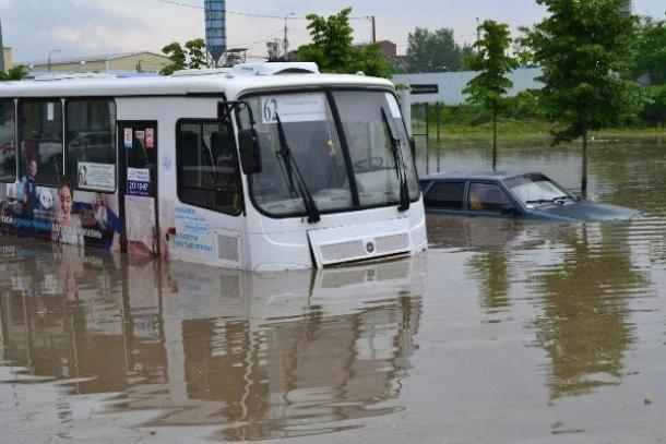 «Вселенский потоп» и бесконечные пробки ждут Краснодар в ближайшую неделю», - жители