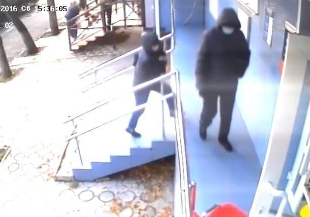 Мужчины вмасках устроили стрельбу вкраснодарском банке