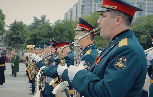 Больше всех на Параде Победы в Краснодаре переживали музыканты