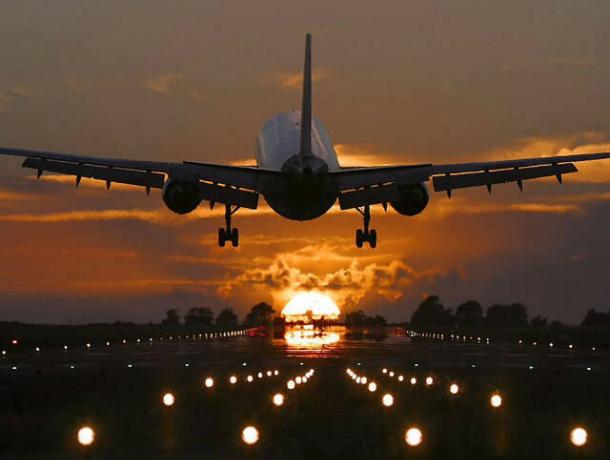 Летевший в Краснодар самолет экстренно посадили из-за неполадки