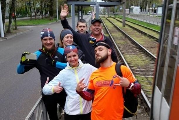 Краснодарец пробежал наперегонки с трамваем 25 остановок
