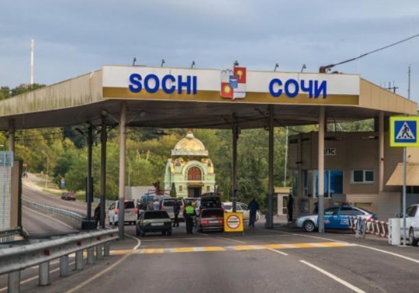 «Не пытайтесь покинуть Сочи»: приехать или уехать с курорта проблематично