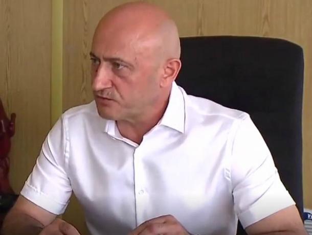 Оплативший роскошную свадьбу дочери Елены Хахалевой экс-супруг оказался «бедным» человеком