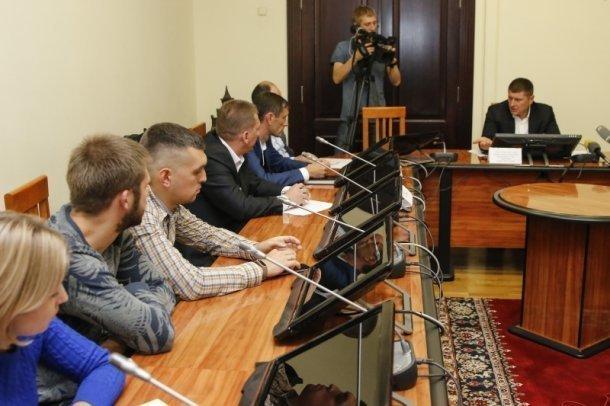 Обманутые дольщики «Территории счастья» решали проблему арестованного застройщика с властями