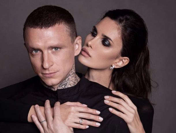 «И тебя тоже люблю», - хавбек «Краснодара» Мамаев признался жене в чувствах к любовнице