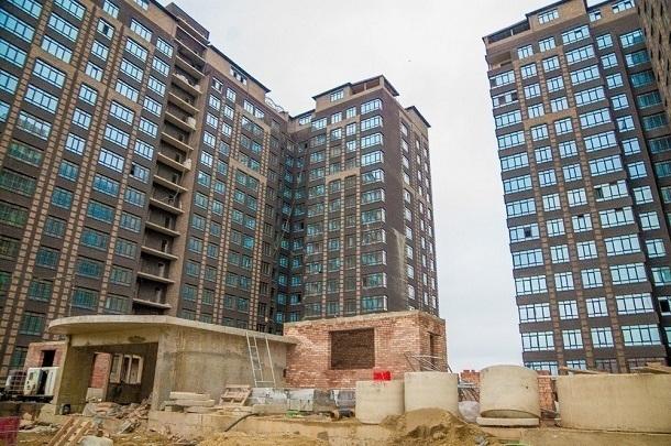 «Медвежья услуга»: дольщикам краснодарского долгостроя Rich City предложили заплатить еще 50 млн рублей