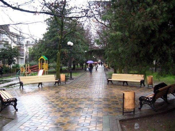 В Сочи туристов и жителей предупредили о проливных дождях и граде