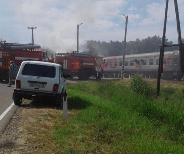 Под Краснодаром грузовик врезался в пассажирский поезд