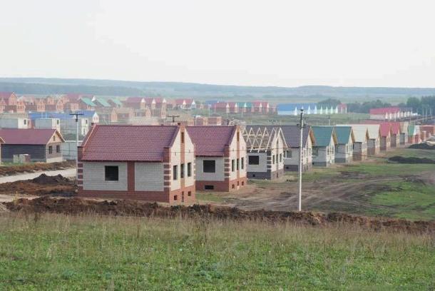 В Краснодаре 23 многодетные семьи получили земельные участки