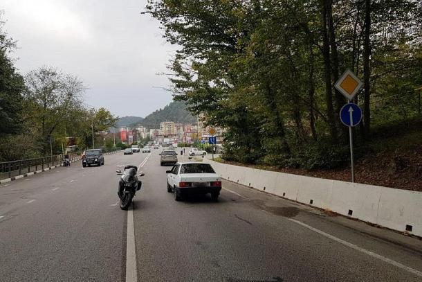 Несовершеннолетний пассажир мотоцикла пострадал в ДТП в Сочи