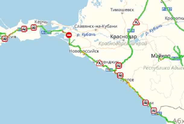 Возвращающиеся с моря образовали многокилометровые пробки в Краснодарском крае