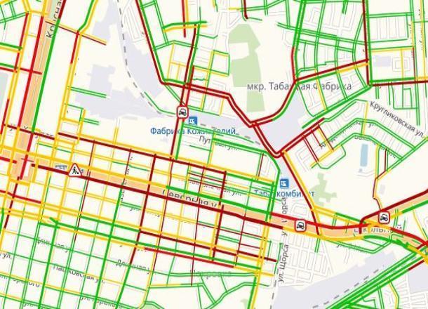 Первый снег обернулся для автомобилистов Краснодара «дорожным апокалипсисом»