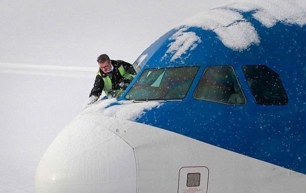 Ваэропорту Краснодара из-за непогоды несмогли приземлиться несколько самолетов