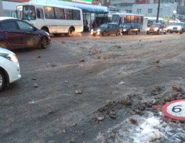 Краснодар нечищеный: автомобилисты пожаловались на ужасное состояние дорог в городе