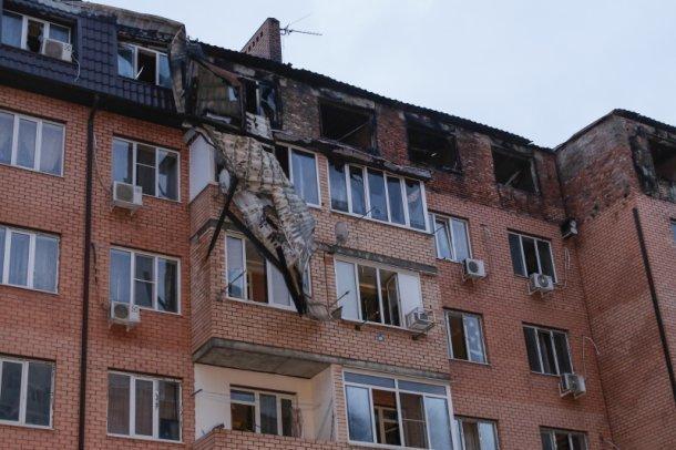 Мэр Краснодара обсудил спогорельцами дома наПрокофьева сроки ремонтных работ